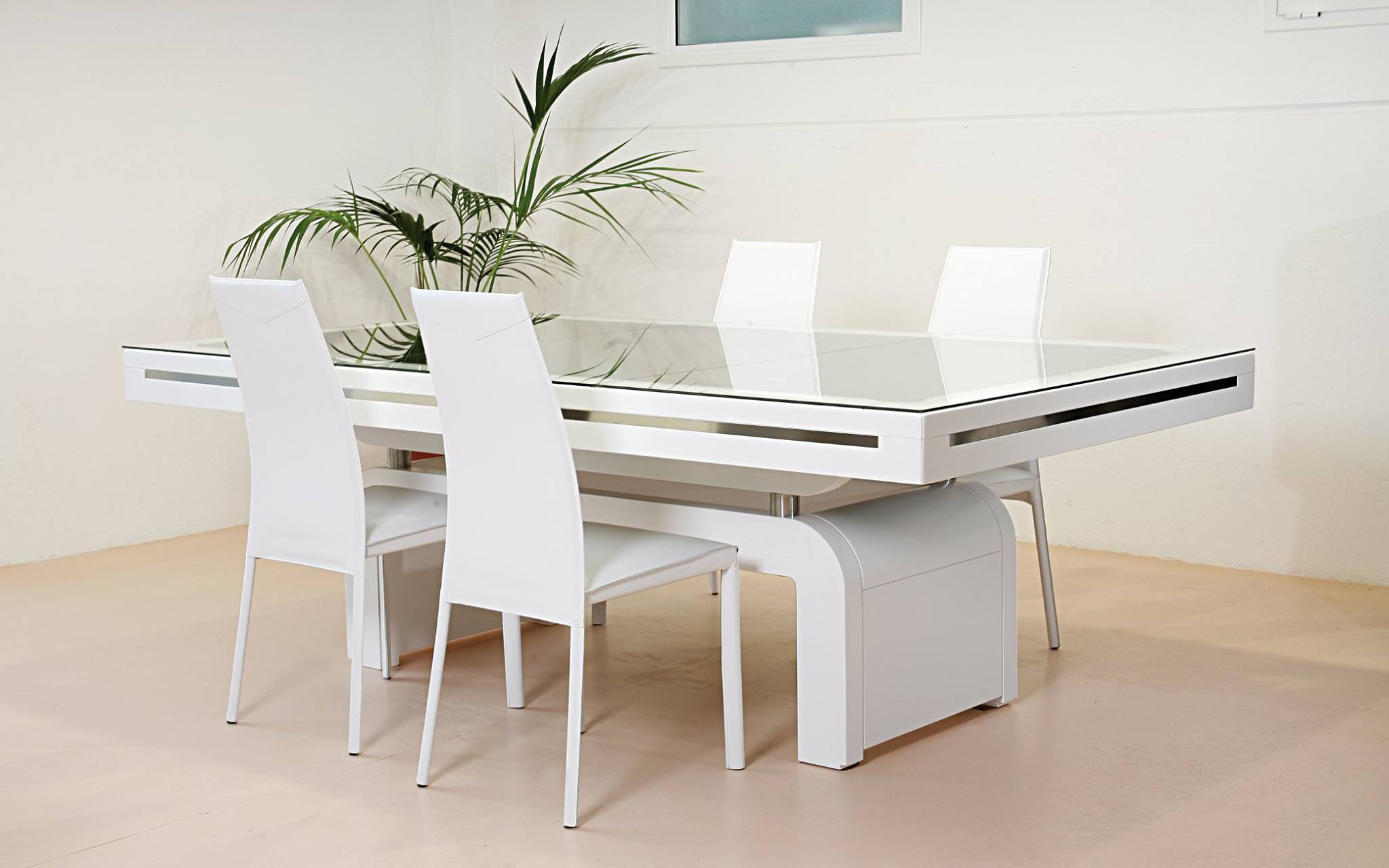 Tavoli da arredo great tavolo moderno da cucina rottem for Tavoli da arredo